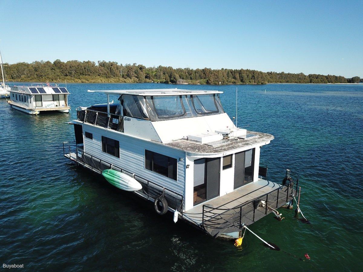 50 Custom House Boat