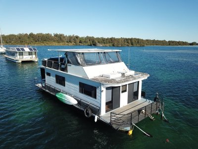 50 Custom House Boat