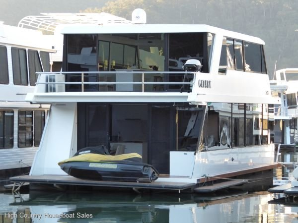 Houseboat Holiday Home on Lake Eildon, Vic.:Gatsby on Lake Eildon
