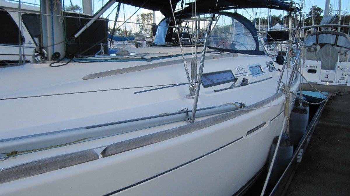 Dufour 365 - Performance cruiser + loads of extras