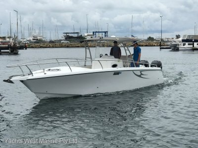 Comet Bay Thunder 31 Center Console