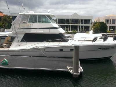 Riviera 52 Enclosed Flybridge -1989 MY