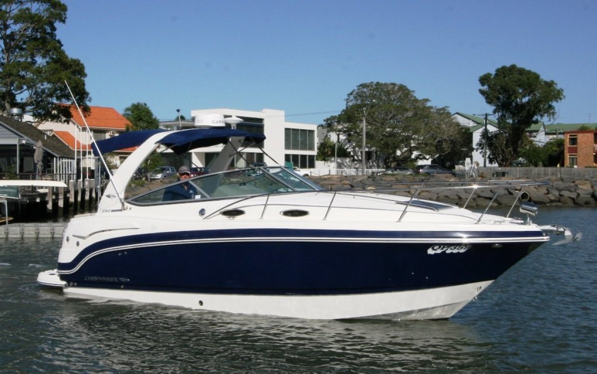 Chaparral 290 Signature Sports Cruiser