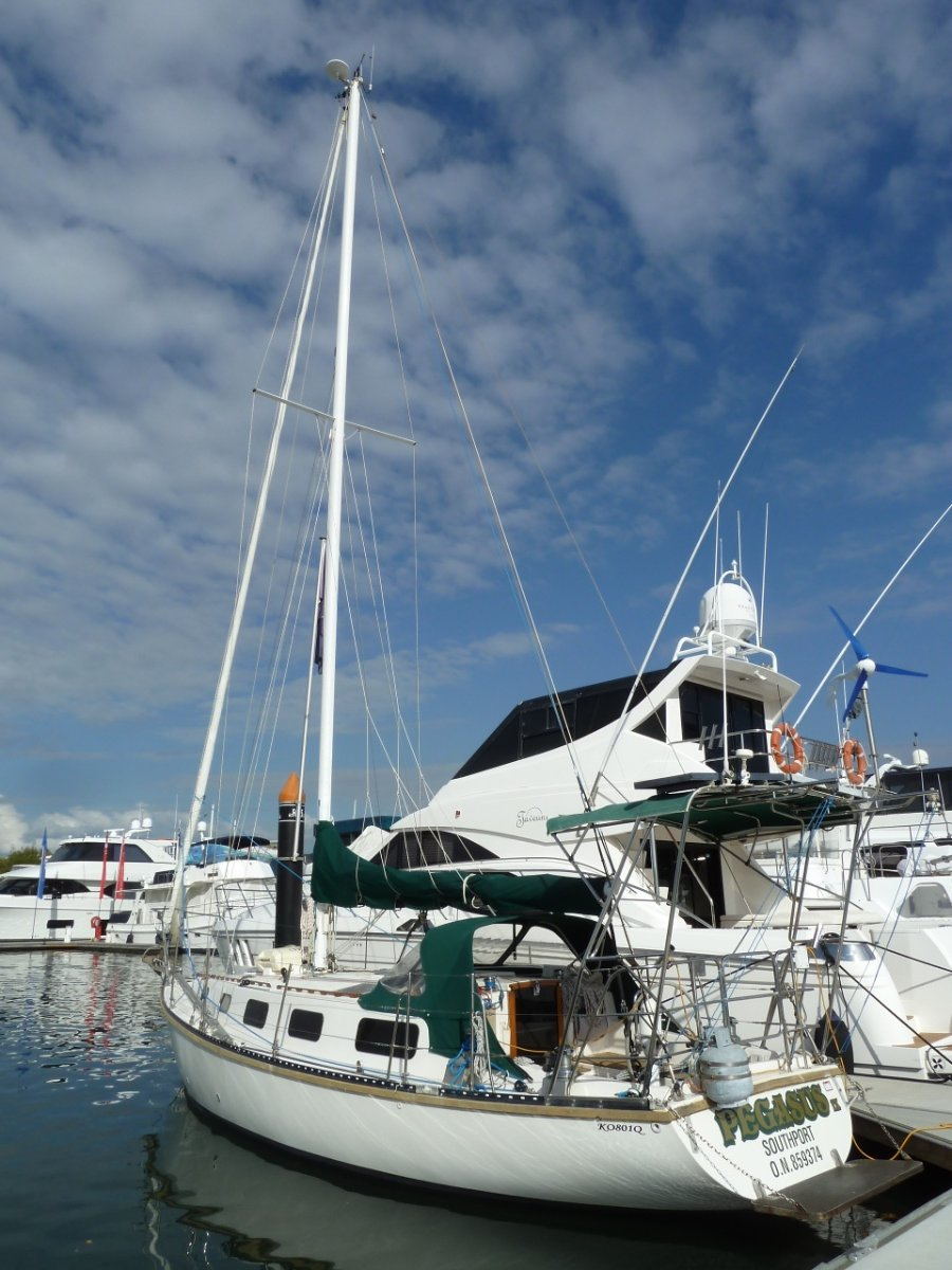 Challenger 36 Cruising Yacht