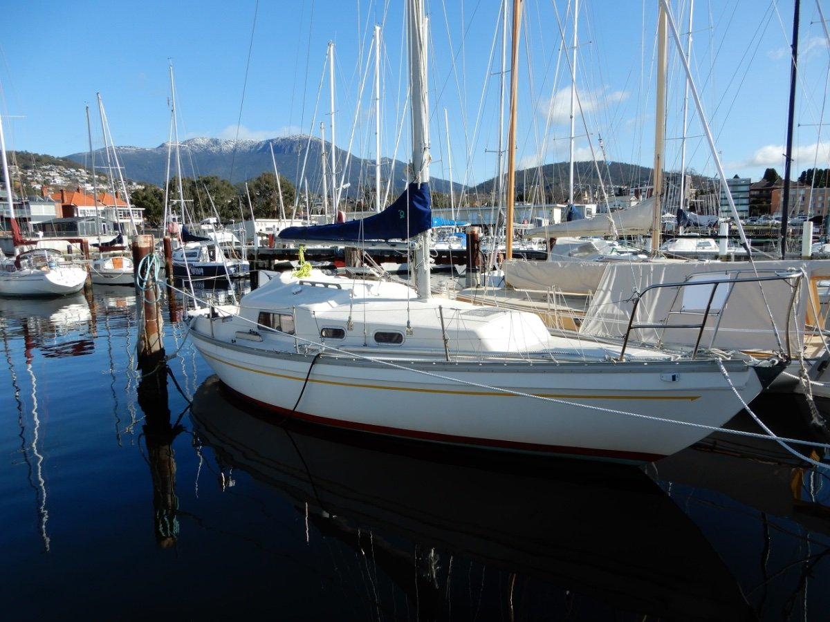 Compass 29 GREAT CRUISER OWNER COMMITTED to SELL