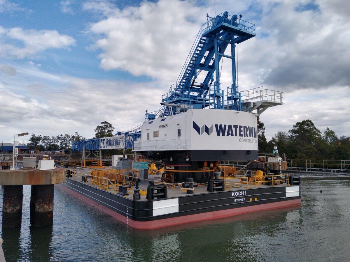 210 tonne Crane Barge