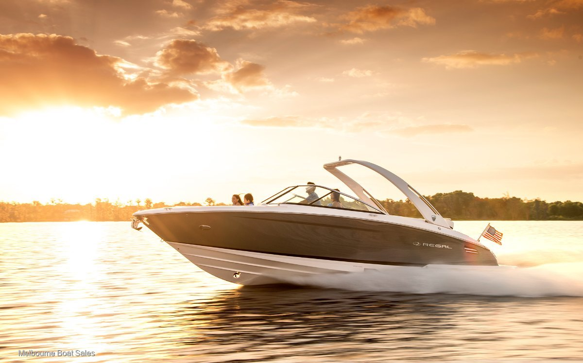 Regal 2800 Bowrider - RICH IN COMFORT