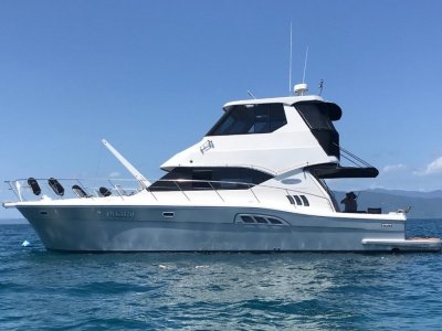 Kingfisher 50 Royale Enclosed Flybridge 2005