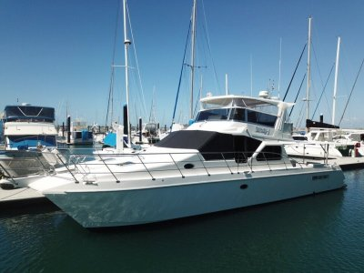Ocean Trek 48 Flybridge