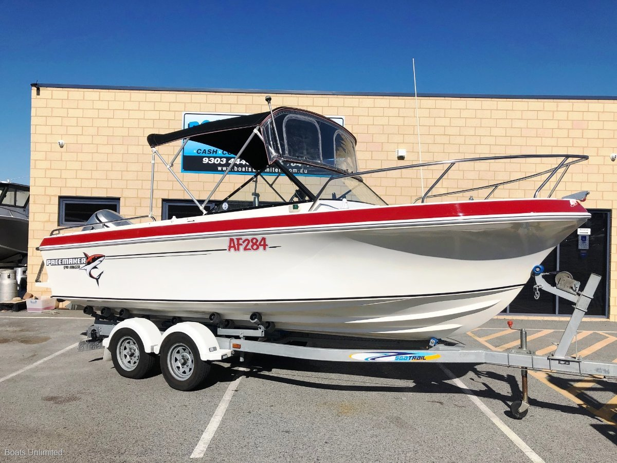 Pacemaker Ranger 590 Ltd Runabout Perfect First Fishing Boat