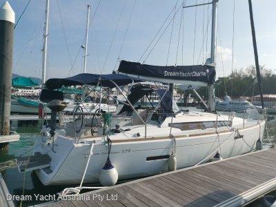 Jeanneau Sun Odyssey 379 - 3 Cabin version