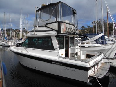 Riviera 32 Flybridge Good Original Condition, MOTIVATED VENDOR