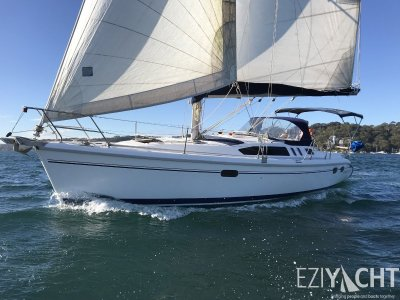 Hunter 376 - Family Cruising Yacht