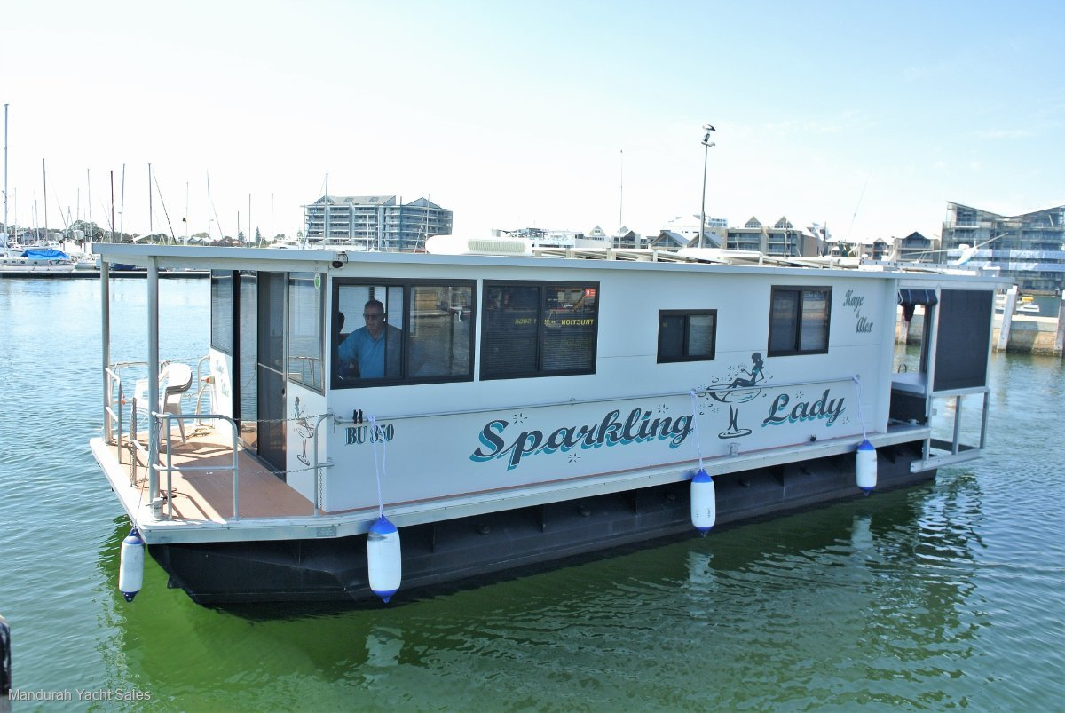 Custom Houseboat - including runabout* $159,000 *
