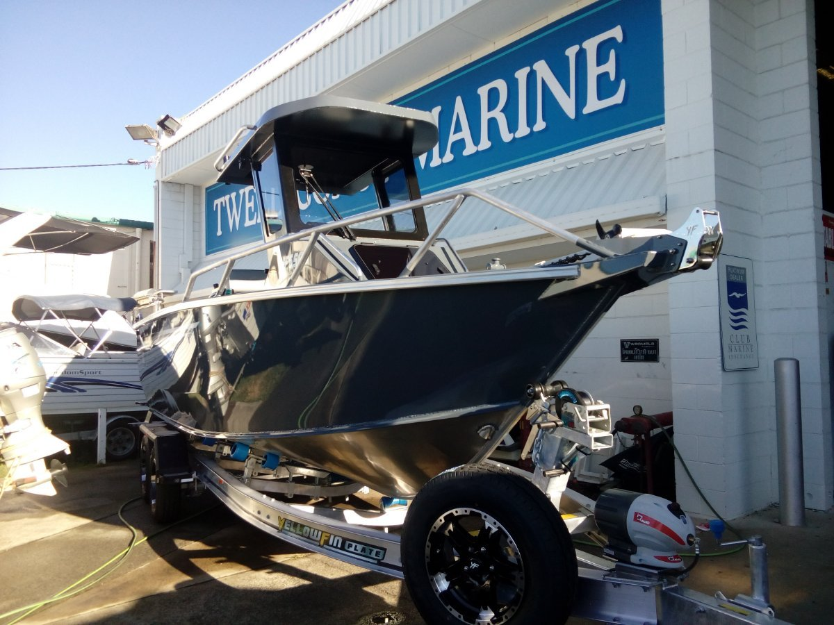 New Yellowfin Plate 6500 Centre Cabin Hard Top