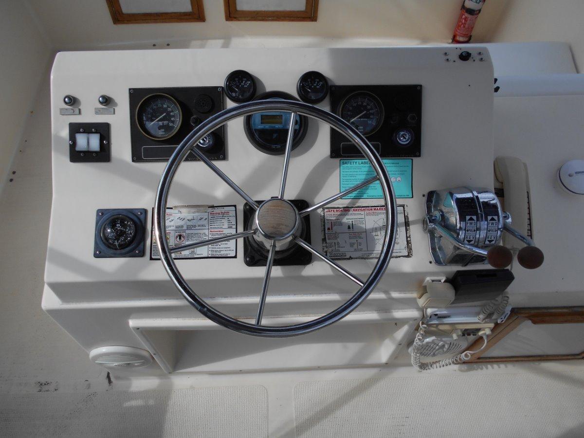 Mariner 3400 WELL PRESENTED TWIN 200HP VOLVO DIESELS