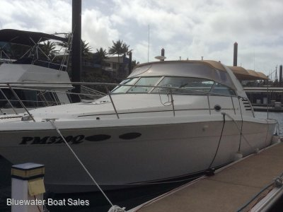 Sea Ray 33 Express