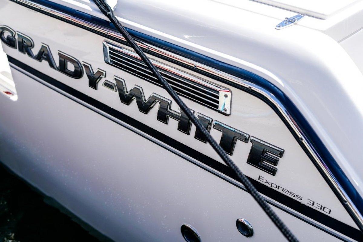 Grady-White Express 330 - 2020MY