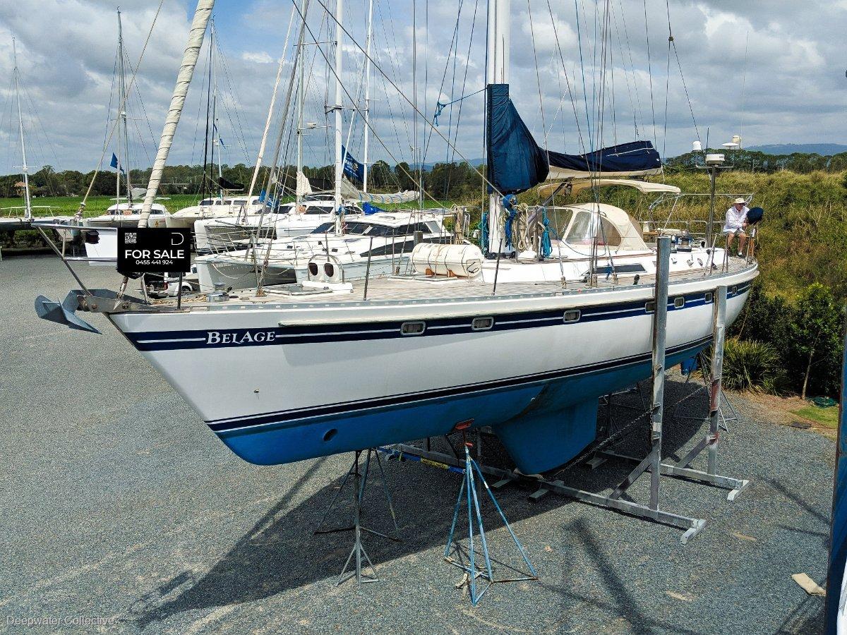 Tayana 55 True blue-water centre cockpit cruiser