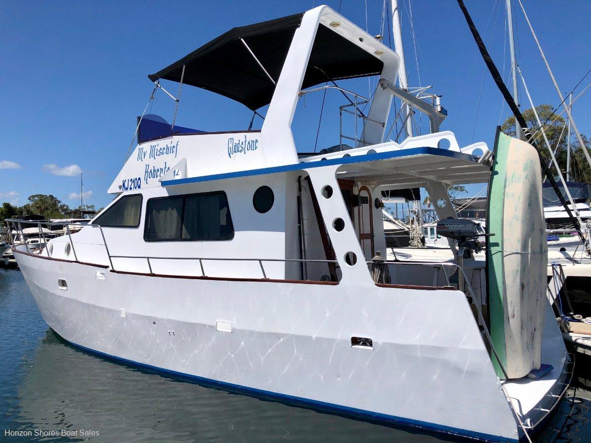 Roberts 42 Flybridge Cruiser
