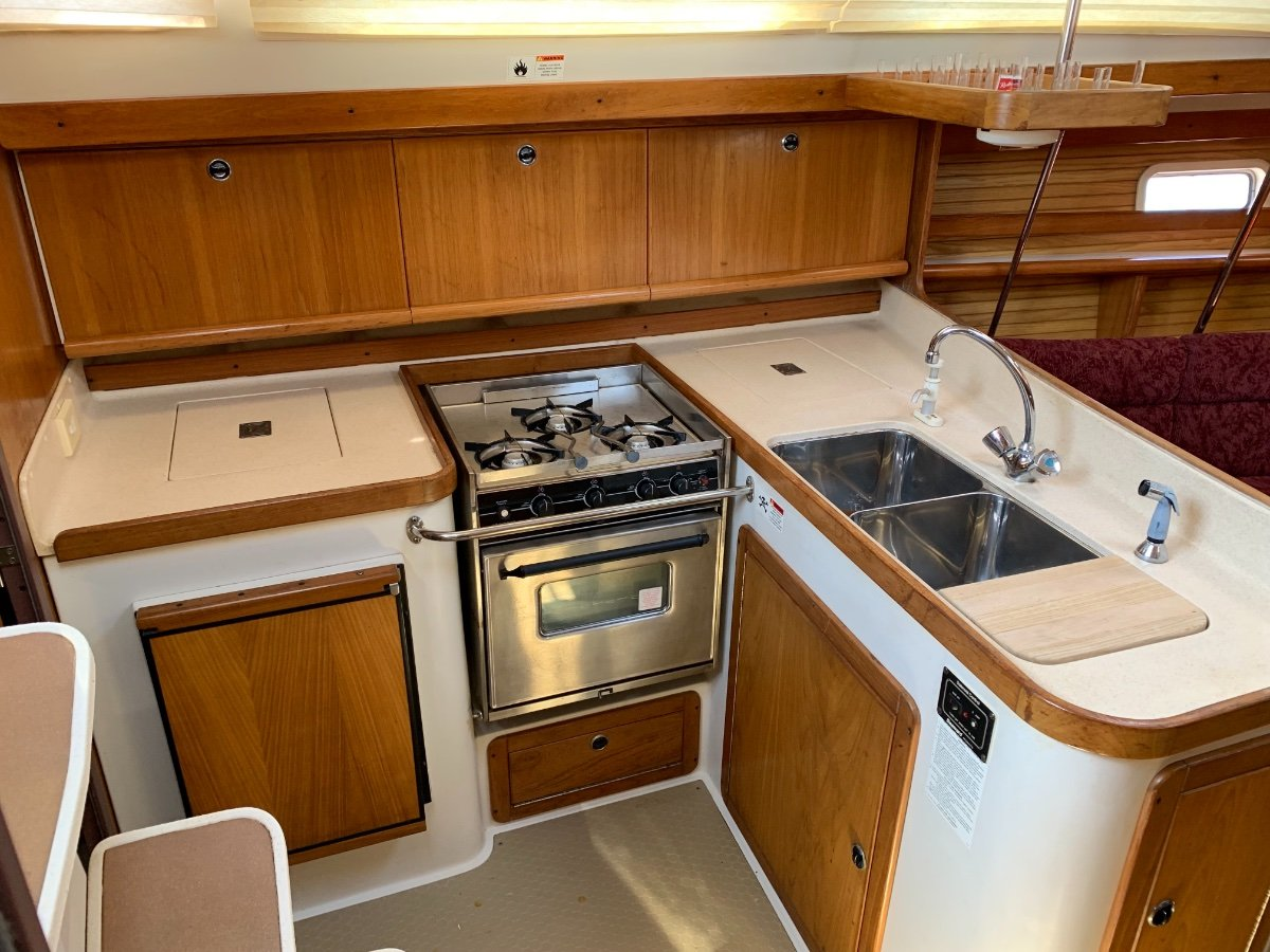Catalina 380 Shoal Draft Keel Version