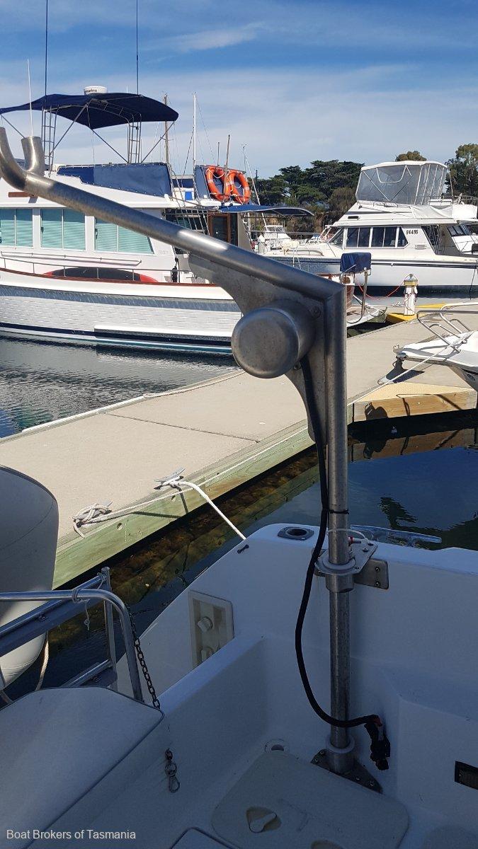 Aquaholic 2 Bayliner 3058 Motoryacht. Twin later model Cummins diesels Boat Brokers of Tasmania