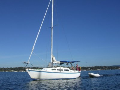 Catalina 27- Click for more info...