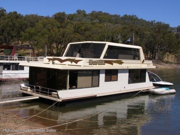 Houseboat Holiday Home on Lake Eildon, Vic.:Eureka on Lake Eildon