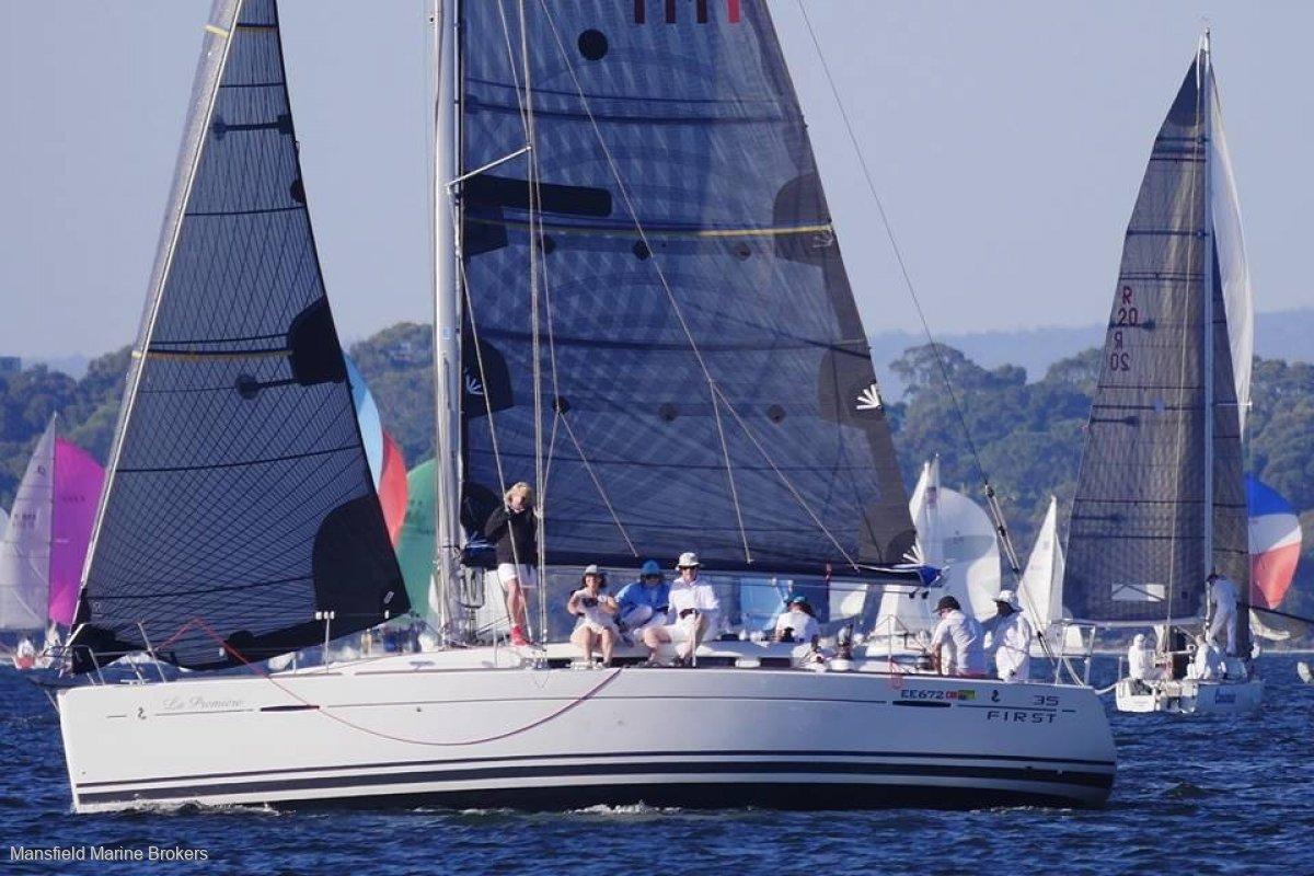 Beneteau First 35 Racer / Cruiser