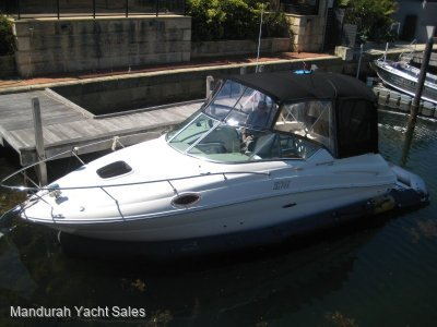Sea Ray 240 Sundancer ** Low Hours, Forget Antifouling includes Fabdock*