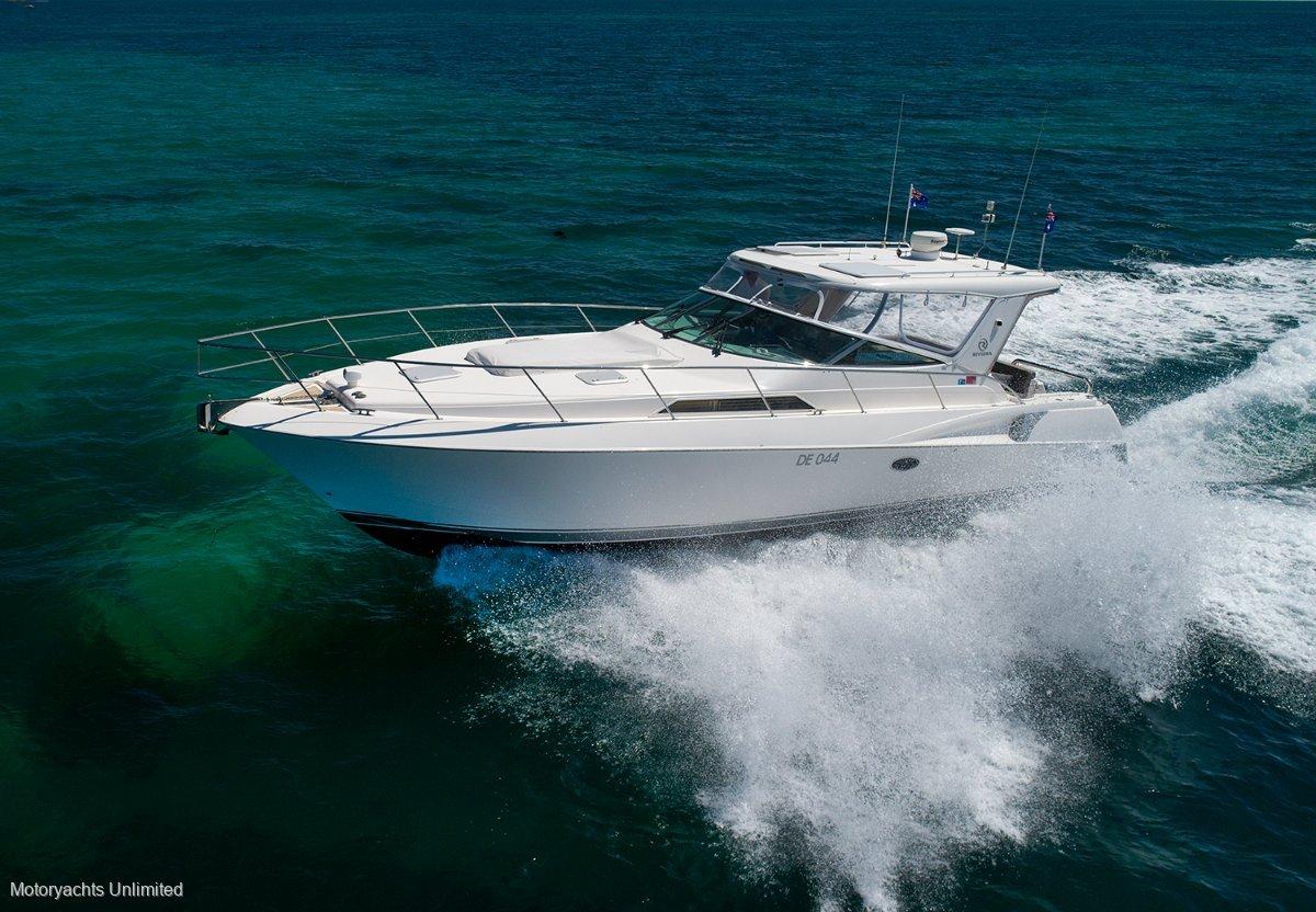 Riviera M400 Sports Cruiser Excellent accommodation, diesel economy