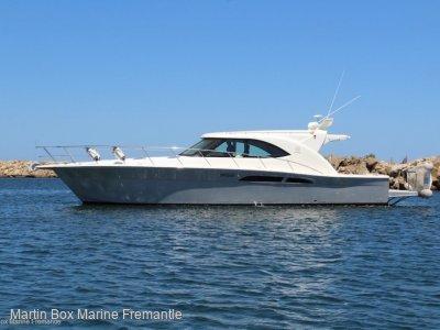 Riviera 4700 Sport Yacht Custom Coupe