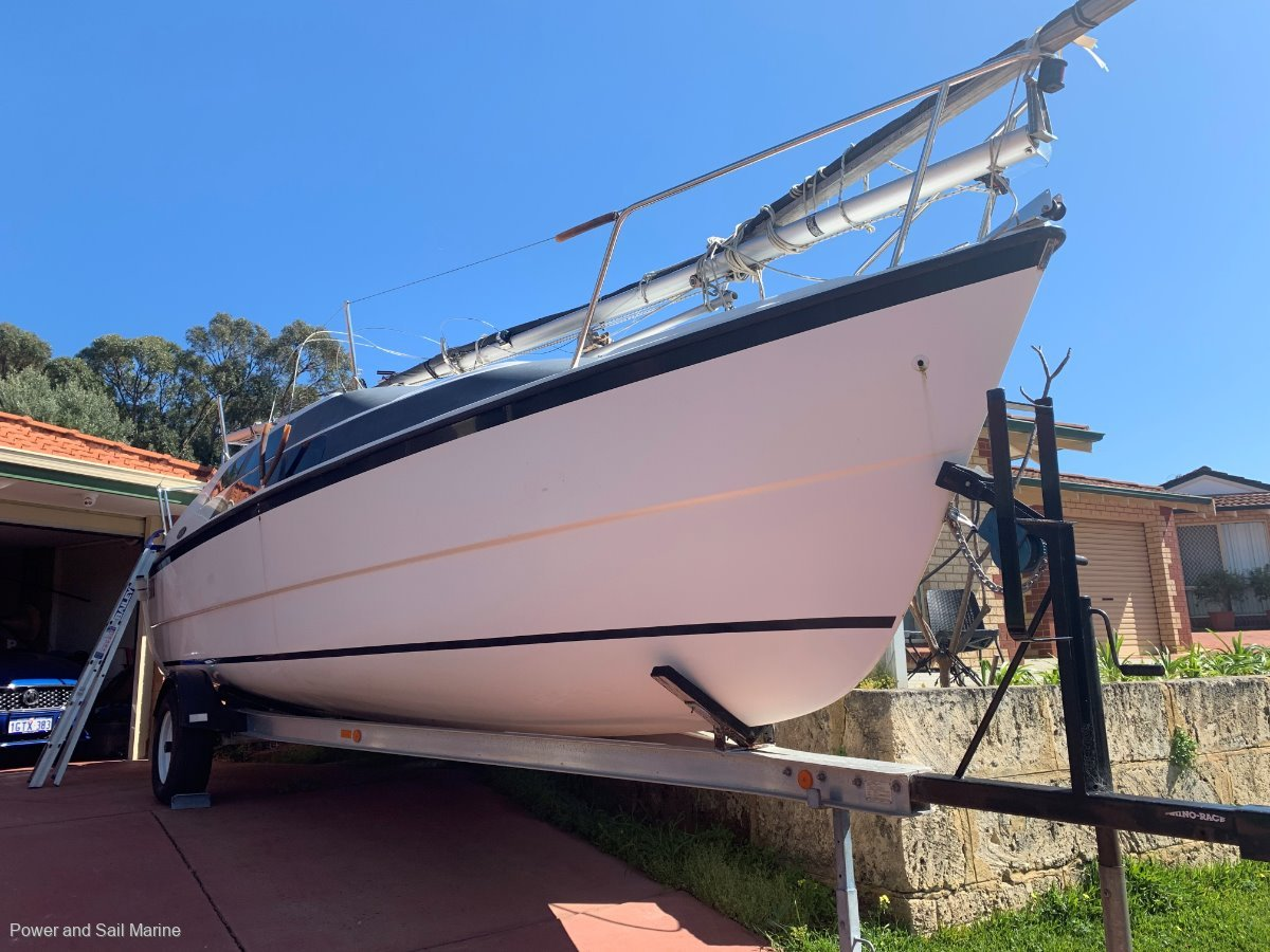Macgregor 26 Wonderful Versatile Trailer Sailor