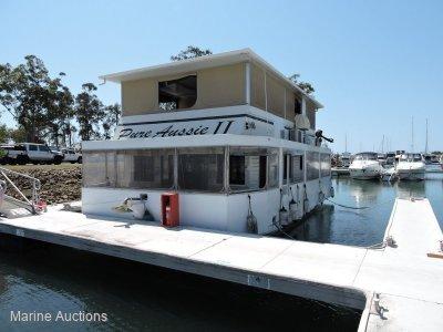 Super Cat House Boat