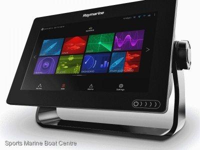 Raymarine AXIOM 9 Realvision 3D with transducer and chart