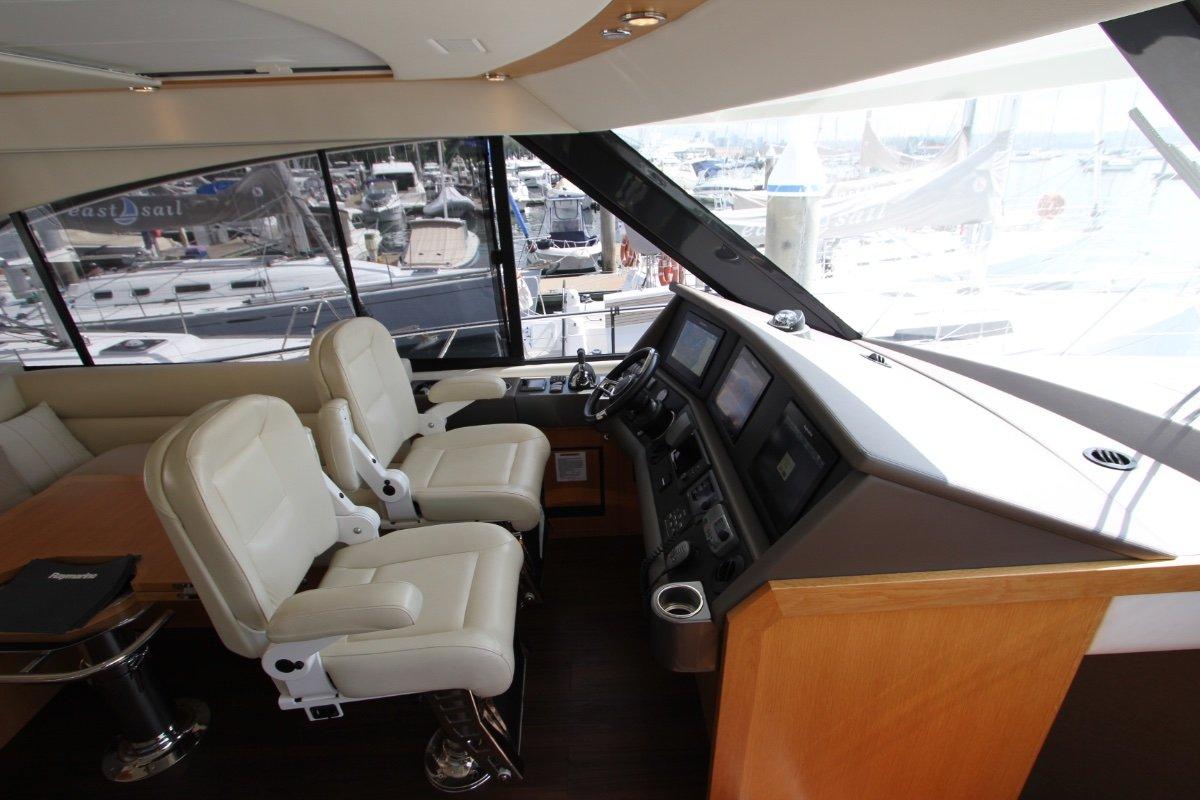 Riviera 565 SUV