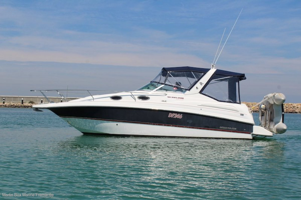 Mustang 2800 Series III WITH BOW THRUSTER