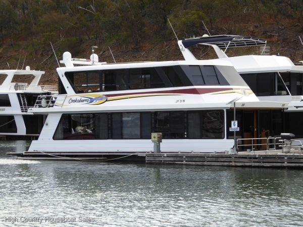 Houseboat Holiday Home on Lake Eildon, Vic.:Cookaburra on Lake Eildon
