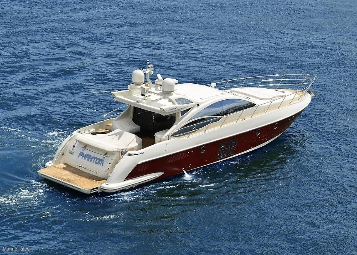 Azimut 62s PRISTINE INSIDE AND OUT