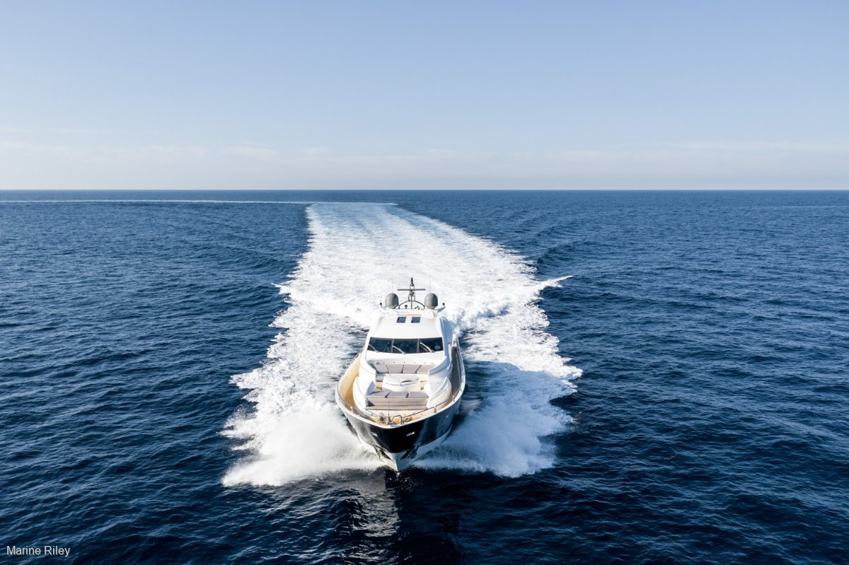Sunseeker Predator 108 REFIT IN 2019 - A TRULY SPECIAL YACHT