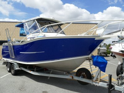 Genesis 335 Targa 700XL AWESOME DECK SPACE FISHING BOAT FOR SALE