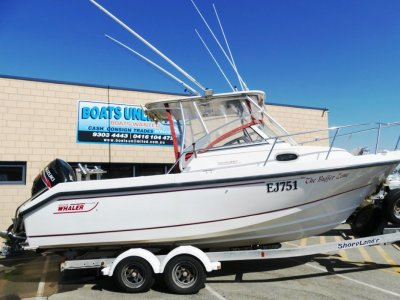 Boston Whaler 230 Conquest- Click for more info...