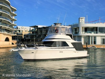 Riviera 36 Flybridge *** A FINE EXAMPLE *** $192,500 ***