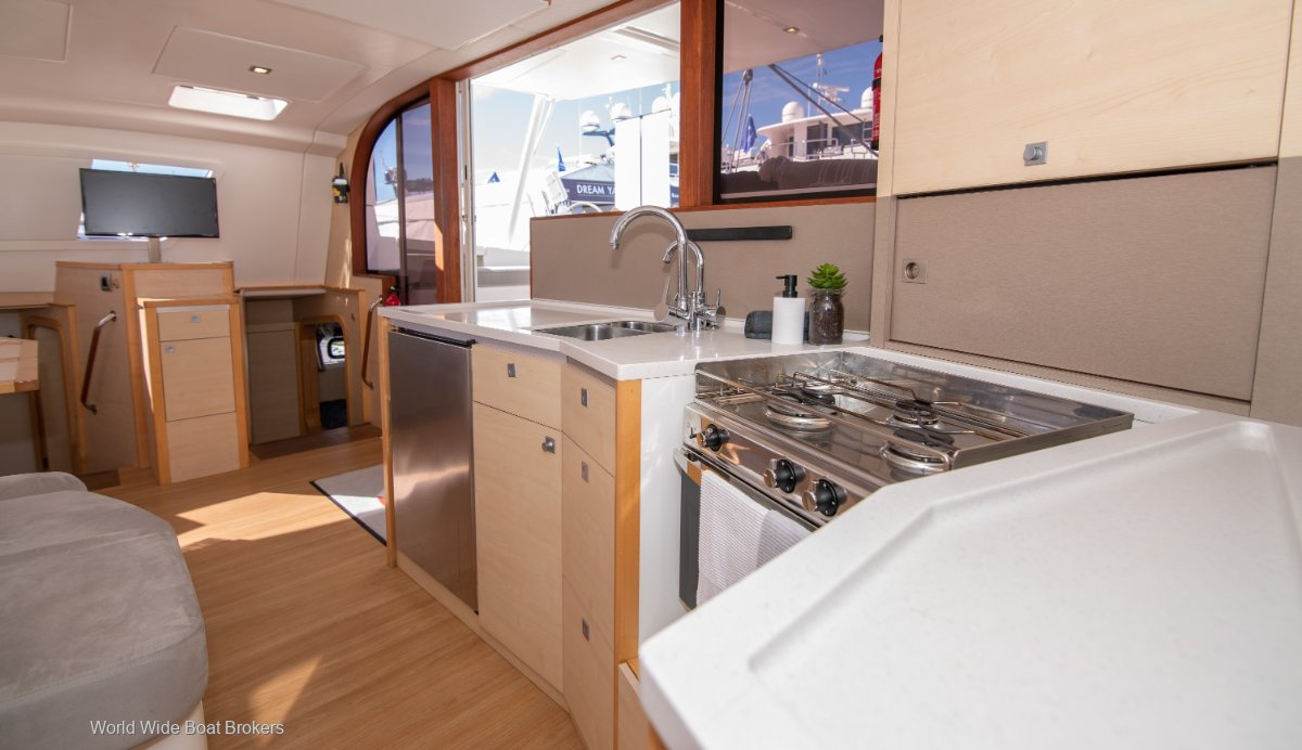 Catana 42 - 3 Cabin Owners version - Carbon infused hulls