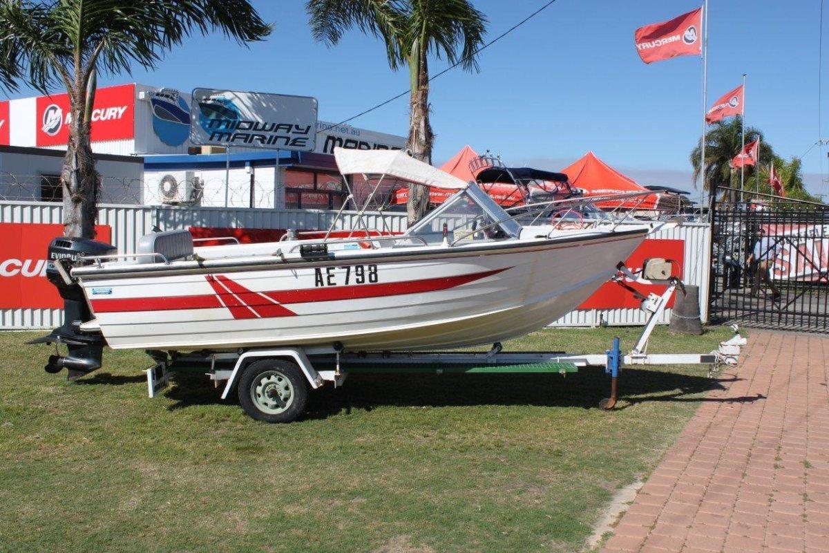 Savage 500 Bay Cruiser Runabout