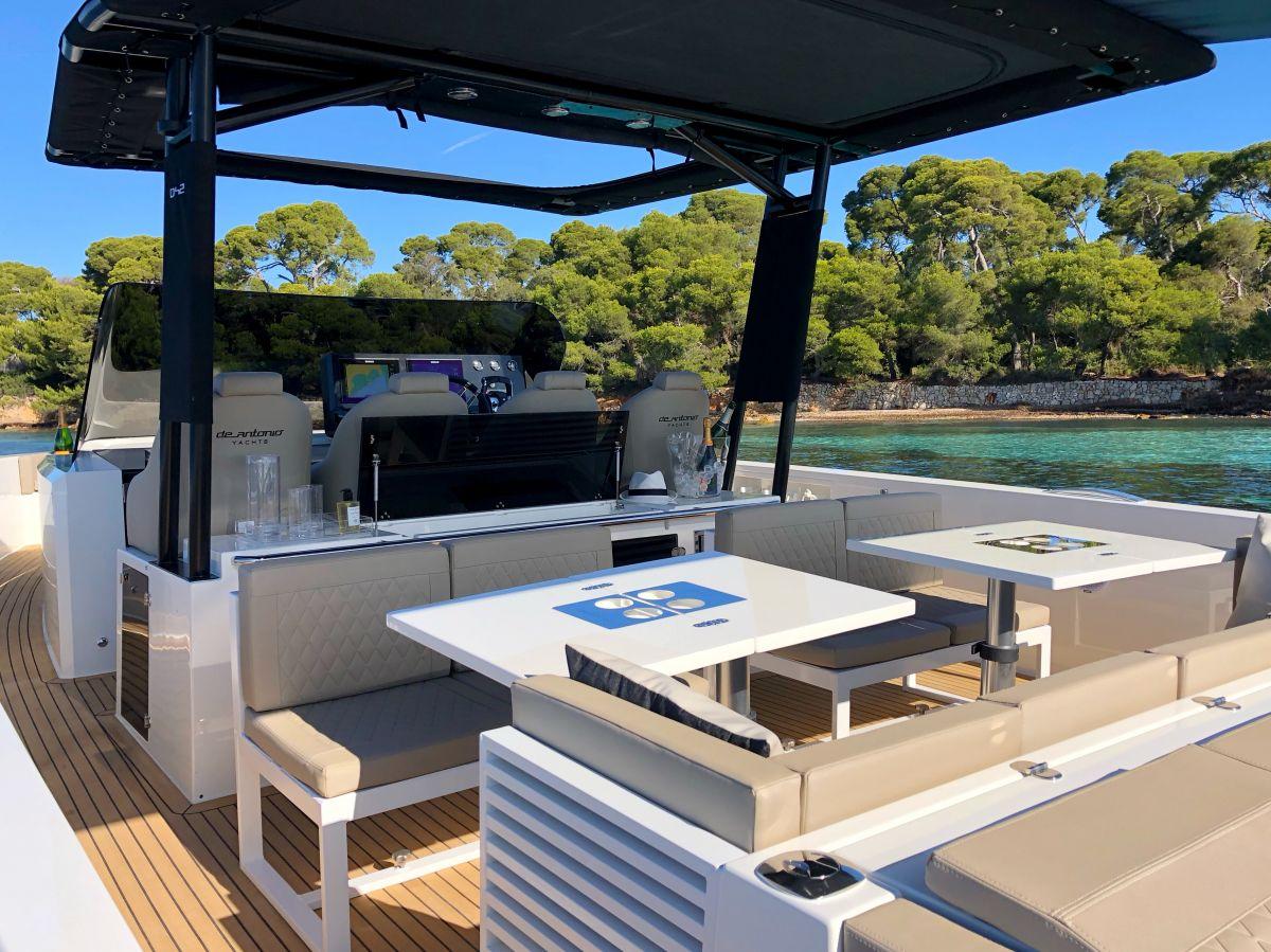De Antonio Yachts D42