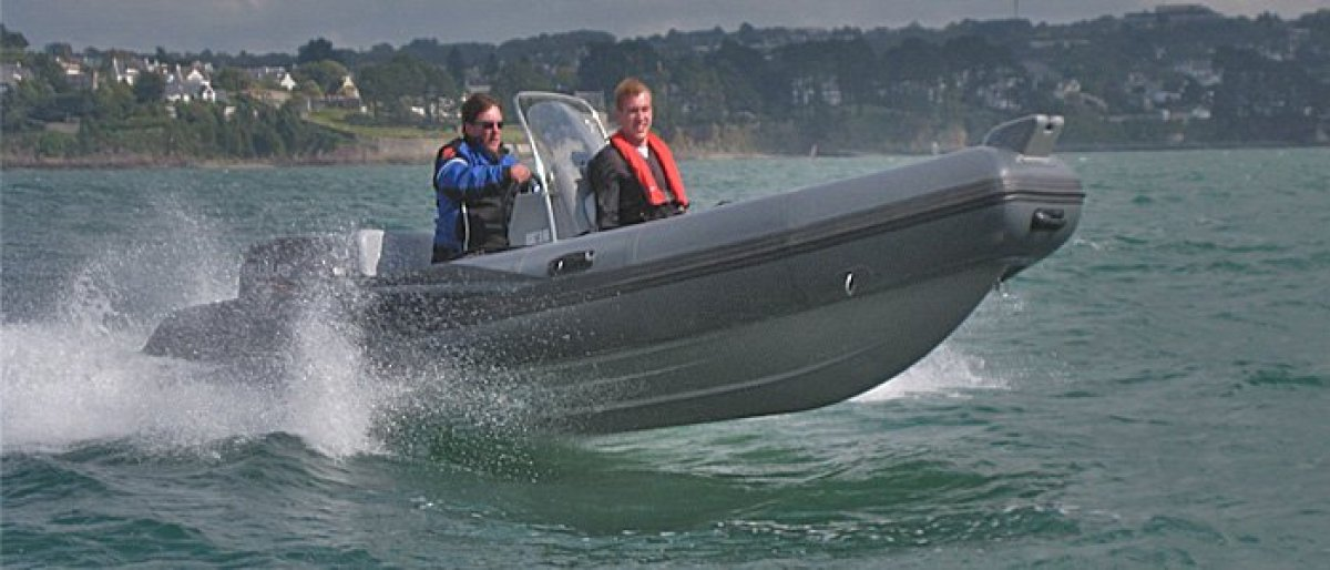 Adventure Inflatables Aurora V550 Centre Console - CURRENTLY IN STOCK !!:V550 Catalogue Photo