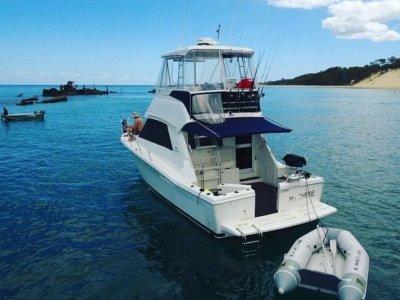 Riviera 34 Flybridge Cruiser Platinium