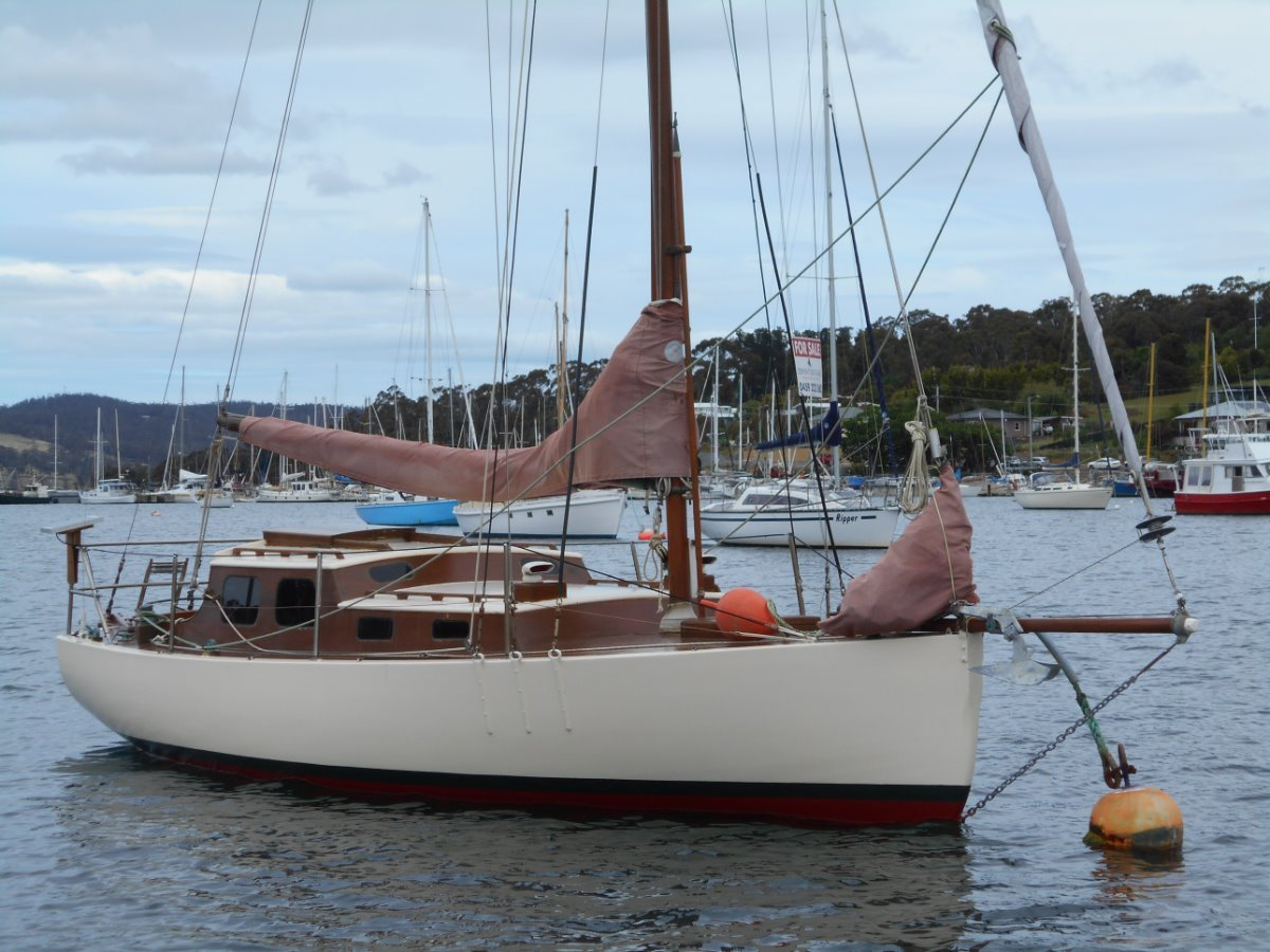 Woollacott STUNNING YACHT SAILED TO HOBART FROM NZ!