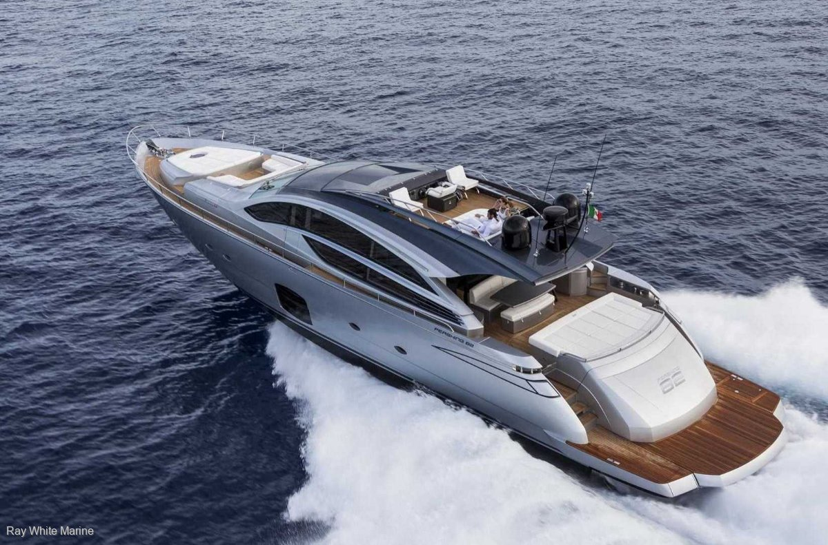 Pershing 82 2013 extremely low hours & GRYO stabilizer.